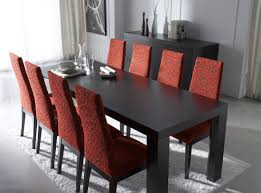Etendable Modern Square Dining Table In Minimalist Black With Red Floral  Parson Chairs On White Fur ...