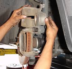 2003 2008 infiniti fx front rotors removal and brake pads 2003 2008 infiniti fx front rotors removal and brake pads replacement procedure