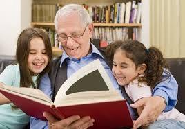 Resultado de imagem para idosos devem fazer a diferença e desenvolva algo que leve você a se sentir útil.