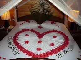 Night Bedroom, Valentine Decorations, Room Decorations, Fold Towels, Wedding  Bedroom, Towel Crafts, Romantic Bedrooms, Romantic Ideas, Wedding Night