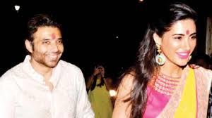 Nargis Fakhri BREAKS SILENCE on rumours of marrying Uday Chopra!