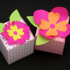 How To Make The Paper Flower How To Make Paper Flowers Friday Fun Aunt Annies Crafts