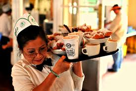 ways to deliver excellent customer service at your restaurant