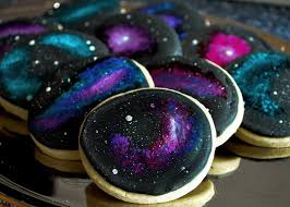 this galaxy themed wedding cake and cupcakes are far out foodiggity galaxy cupcakes galaxy cookies