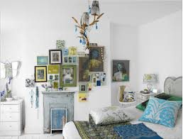 If you are stuck with white walls, use it to your advantage. Make white a  part of your color scheme and use strong, vibrant colors to contrast with  it.