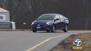 Consumer Reports finds 2016 Prius sets new mileage record | abc7.com