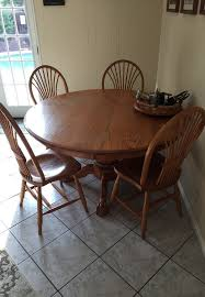 amish oak round dining table