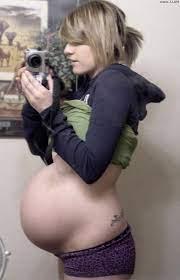 Naked pregnant girls self pics