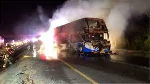 ขอนแก่น ไฟไหม้รถทัวร์ผู้โดยสารดับ 5 - 77 ข่าวเด็ด