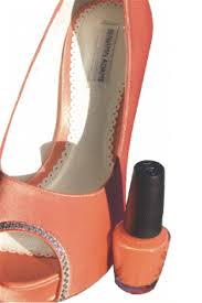 angelus acrylic shoe paint allows you to easily customize your footwear with the stroke of a brush available in a wide selection of colors these