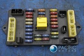 left trunk fusebox fuseboard fuse relay panel pm55189pa oem left trunk fusebox fuseboard fuse relay panel pm55189pa oem bentley arnage