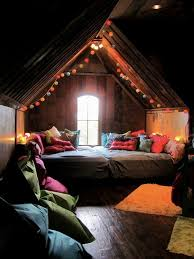 Astounding Cool Attic Bedrooms Contemporary - Best idea home .