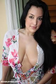 Busty Brunette Nude