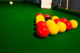 differences between pool table cloths