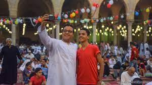 """العيد في مصر.. خطب """"مقيدة"""" واعتقالات وتحرّش (صور)"""