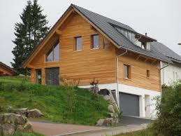 Holzhäuser Einfamilienhaus Mit Schöner Holzfassade Holzbau Bruno