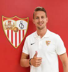LaLiga - Luuk De Jong is in Sevilla FC's house! ❤️✍🏻🆕
