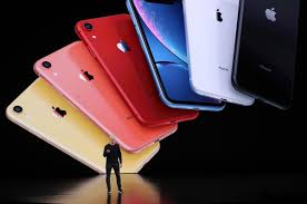 Powering on is as easy as holding the power button on the right side of the iphone. Apple Hat 2020 Vier Altere Iphone Modelle Offiziell Eingestellt Business Insider