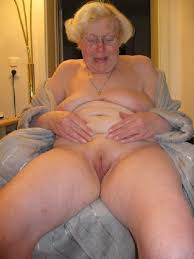 Mature granny pussy