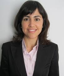 El CEF ha premiado un trabajo de Sara González sobre los derechos de emisión. La profesora Sara González. El Centro de Estudios Financieros, CEF, ... - SaraGonzalez_14_07_2010