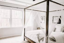 Build Your Perfect Canopy Bed - DIY Canopy Bed Plans