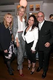 Iris Smith, Karolina Kurkova, Gloria Estefan, Emilio Estefan Photo  (2017-11-28)