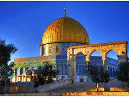 Al aqsa mosque director omar al kiswani said in a video posted by palestinian activists that, directly after iftar the al aqsa mosque was stormed and unarmed worshippers were attacked to empty it. Al Aqsa Mosque Wallpapers Wallpaper Cave