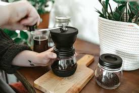 This blog will help you discover the basics of coffee grinding for common brewing methods. Coffee Grind Chart Which Grind For Different Coffee Makers Grosche