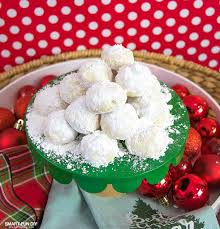 recipe for mexican wedding cakes. the best christmas cookie recipe that everyone will love! easy - learn why for mexican wedding cakes o