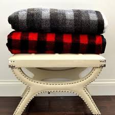 warmest blanket for bed. Interesting Blanket Soft And Delicate Yet Toasty Warm The Right Fleece Blanket Is Perfect For  Snuggling On Couch Or Keeping Heat In Your Bed Cold Nights Intended Warmest Blanket For Bed F