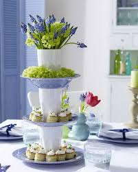 elegant table settings. Fr?hlingstisch: Etagere Elegant Table Settings