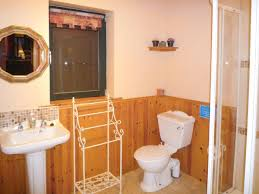 Meadow Cottage Ref W31999 In Aughadown Near Skibbereen County Bathrooms Near Sheep S Meadow