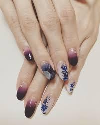 秋の七草から桔梗のデザインで右薬指は月とススキ グラデーションは