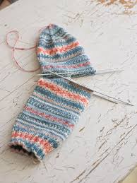 Knitted Sock Patterns Best HOW TO KNIT THE EASIEST SOCK IN THE WORLD ARNE CARLOS