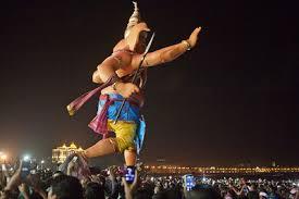 ganesh festival visarjan day in mumbai · s travel blog lord ganesh es to the sea for visarjan at girgaum chowpatty in mumbai