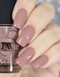 very femine manicure the color is gentle and the diamond glow makes it very luxurious