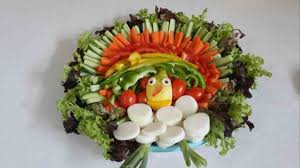 How To Decorate Salad Tray Plate Decoration With Vegetables homelivings Decor Ideas 44