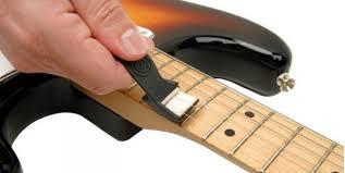 <b>Средства по уходу за</b> гитарой и их применение