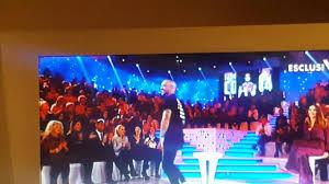 Fabrizio Corona perde un dente in diretta tv canale 5 mediaset