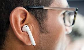Are Wireless Earbuds Dangerous 250 Scientists Warn They May