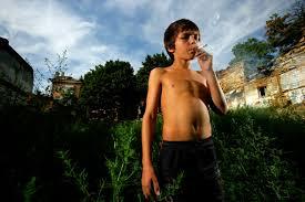 نتیجه تصویری برای جوانان معتاد