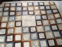 A guest book quilt is a wonderful way to keep memories of who was ... & A guest book quilt is a wonderful way to keep memories of who was there. Adamdwight.com