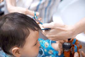 1歳の男の子の髪の毛を切ろう家で髪を切る注意点やおすすめの髪型