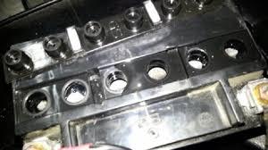 Как восстановить аккумулятор автомобиля как можно восстановить  После зарядки выполняется контрольный разряд для чего к клеммам батареи подключается источник потреблении энергии Потребление энергии при этом