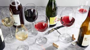 Wine Glass Shape Chart The 3 Best Wine Glasses For Every Pour 2019 Epicurious
