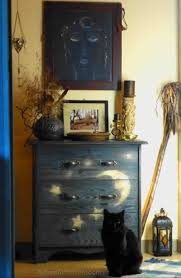 Sabrina The Teenage Witch Bedroom 1000 Images About Enchanting Decor On Pinterest Cabinet Of