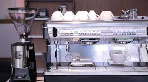Máy pha cà phê Nuova Simonelli Appia II 2 Group - YouTube