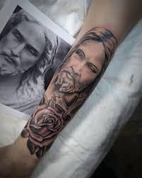 тату иисус перекрытие шрама