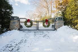 Stone Entry Gate Designs Modern Streamlined Metal Driveway Gate Design With Stone