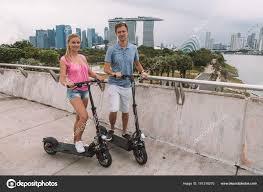 """Résultat de recherche d'images pour """"SINGAPOUR COUPLE"""""""